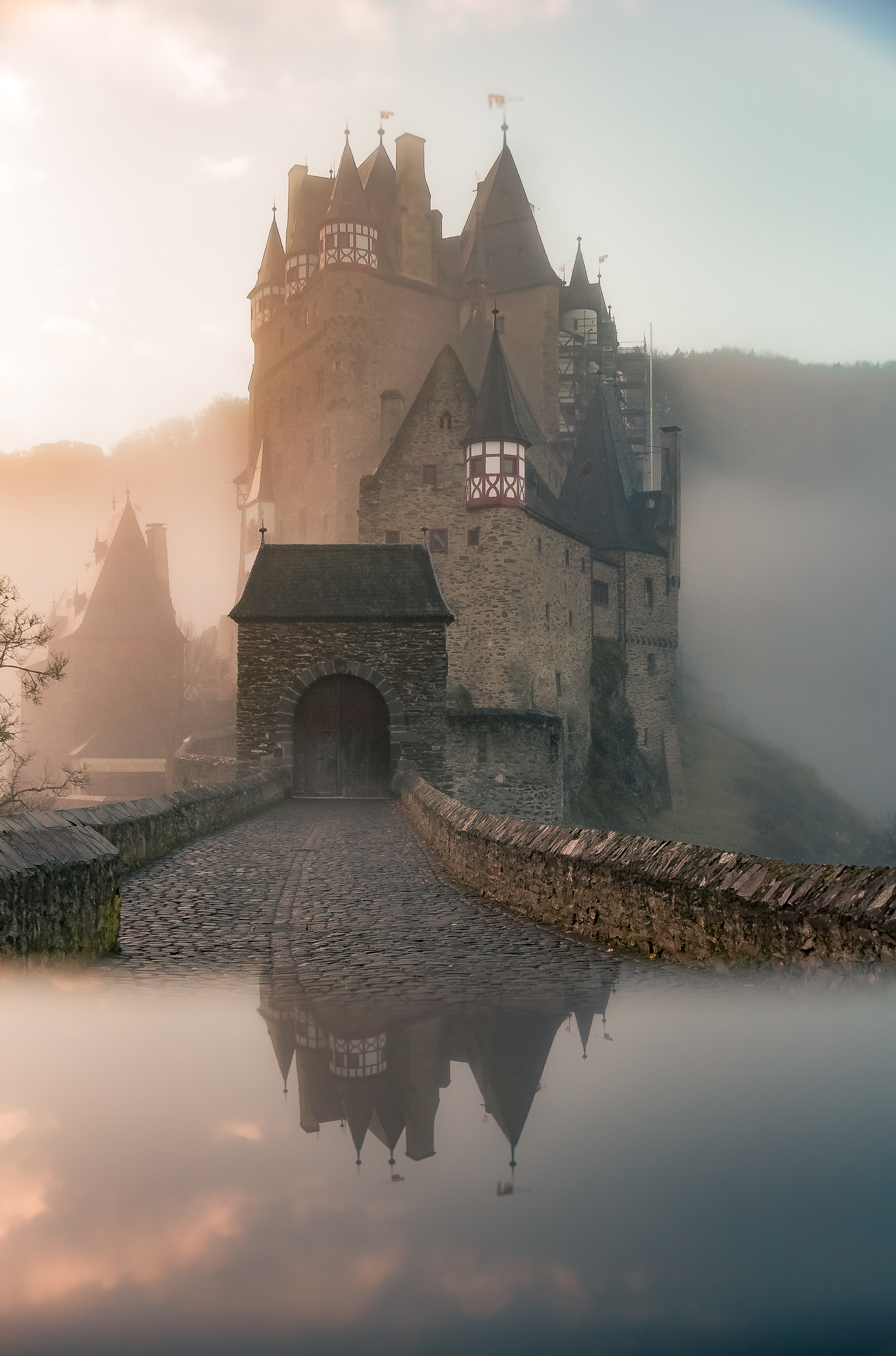 Kings, Painters and Video Games: A Fairy Tale Revision